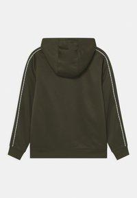 Nike Sportswear - REPEAT HOODIE - Hoodie - cargo khaki/white - 1