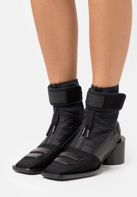 MM6 Maison Margiela - BOOT - Botki - black - 0