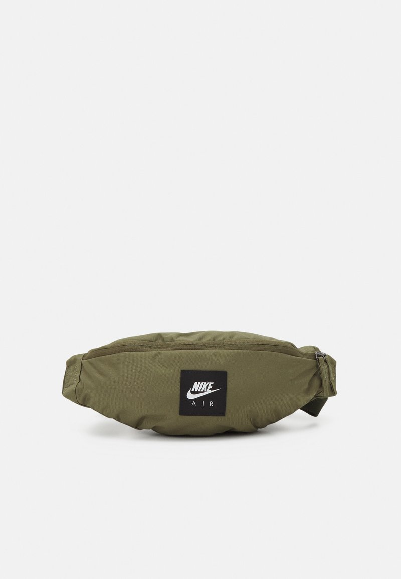 Nike Sportswear - AIR HERITAGE UNISEX - Bæltetasker - medium olive/cargo khaki/white