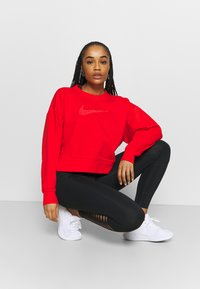 Nike Performance - DRY GET FIT CREW - Sudadera - chile red/crimson bliss - 1