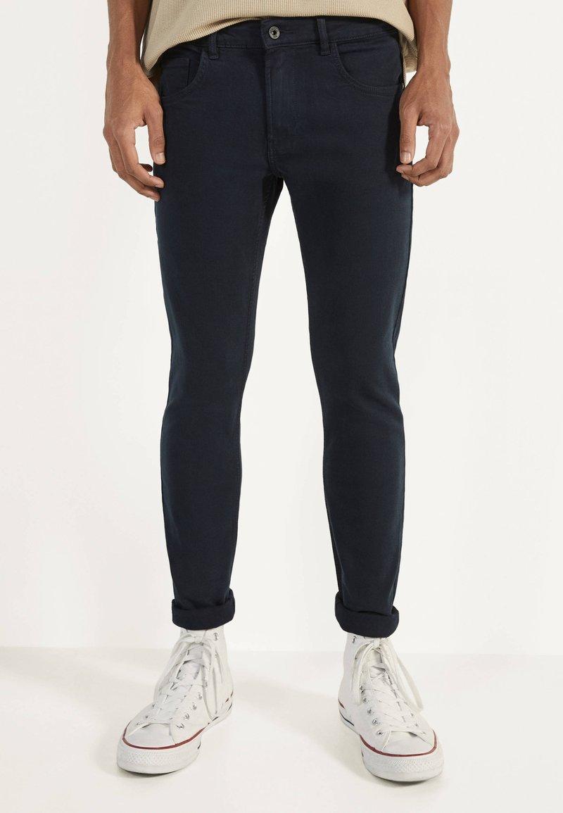 Bershka - Skinny džíny - dark blue