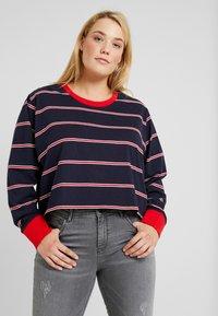 Urban Classics Curvy - LADIES SHORT DYED SKATE STRIPE - Long sleeved top - midnightnavy/red - 0