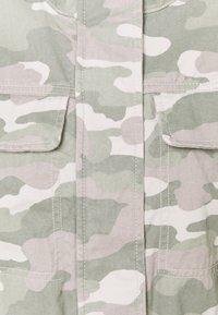 GAP Petite - CORE UTILITY JACKET SOLID - Denim jacket - green - 2