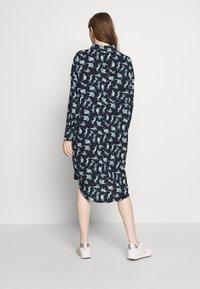 Monki - TOMI DRESS - Košilové šaty - blue - 2