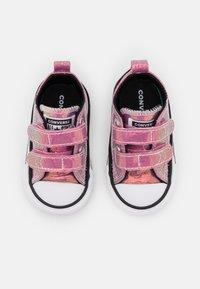 Converse - CHUCK TAYLOR ALL STAR GLITTER - Sneakers basse - white/black/magic flamingo - 3