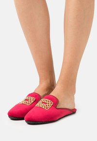Chatelles - Slippers - red rose - 0
