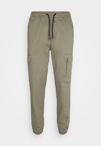JJIACE JJHILL  - Trousers - dusty olive