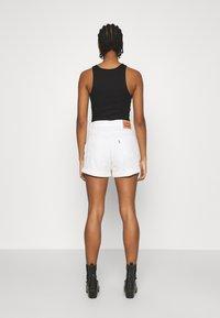 Levi's® - MOM LINE  - Jeans Short / cowboy shorts - want not - 2
