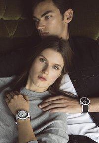 Swatch - POPLOOKING - Watch - black - 2