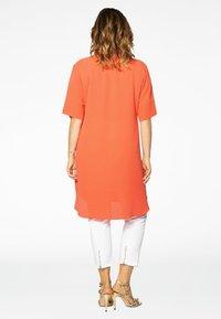 Yoek - MIT BAND-DETAIL - Day dress - orange - 2