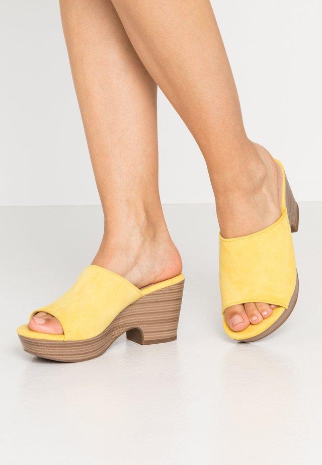 Zoccoli - yellow