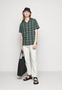 PS Paul Smith - MENS CASUAL FIT - Shirt - dark green - 1