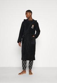 Moschino Underwear - BATHROBE - Badekåpe - black - 0