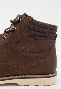Madden by Steve Madden - BUSTIN - Lace-up ankle boots - brown - 5