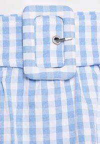 Vila - VIGRIMDA BELT SKIRT - Mini skirt - blue/white - 2