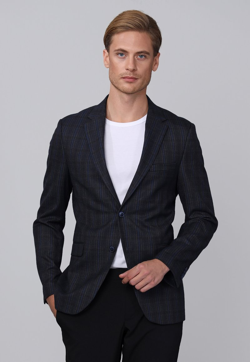 Basics and More - Blazer jacket - navy