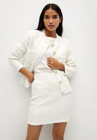 Mango - UPPER - Mini skirt - blanc - 0