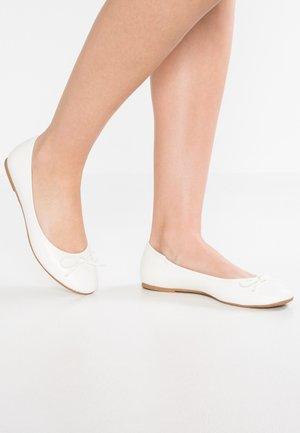 Bailarinas - white