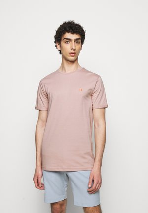 NØRREGAARD - Basic T-shirt - dusty rose orange