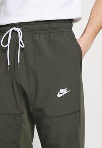Nike Sportswear - PANT - Træningsbukser - twilight marsh/newsprint/ice silver/white - 3