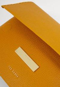 Ted Baker - ELSY - Across body bag - yellow - 4