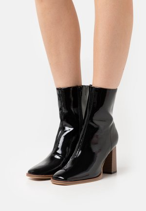 VMMELODI BOOT - Classic ankle boots - black