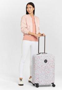 Kipling - CURIOSITY M - Wheeled suitcase - grey - 1