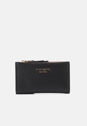 SMALL SLIM BIFOLD WALLET - Peněženka - black
