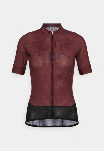 ESSENTIAL ROAD LOGO - T-shirt con stampa - propylene red/dark propylene red