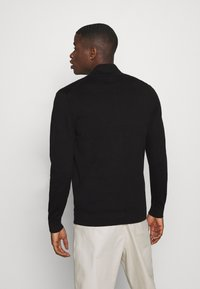 Burton Menswear London - FINE GAUGE ZIP THROUGH - Vest - black - 2