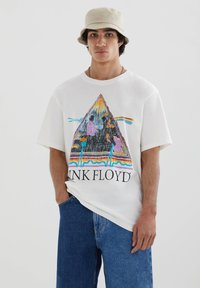 PULL&BEAR - Print T-shirt - off-white - 0