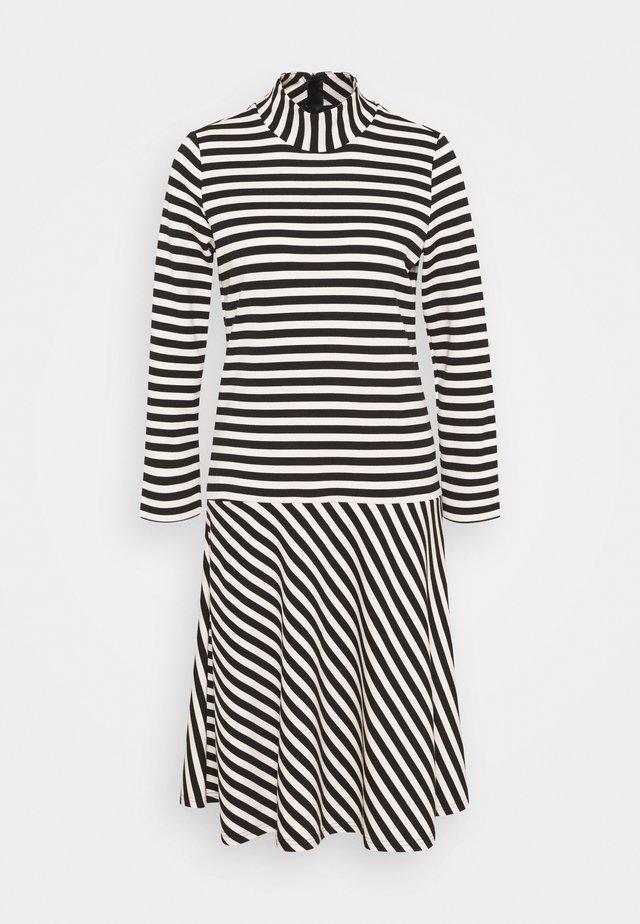 HUBERTIW DRESS - Korte jurk - black / french nougat
