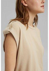 edc by Esprit - Basic T-shirt - sand - 3