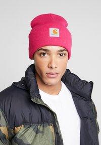 Carhartt WIP - WATCH HAT UNISEX - Beanie - ruby pink - 1