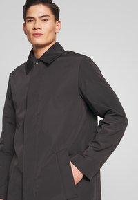 Calvin Klein Tailored - COMPACT NYLON COAT - Wollmantel/klassischer Mantel - black - 3