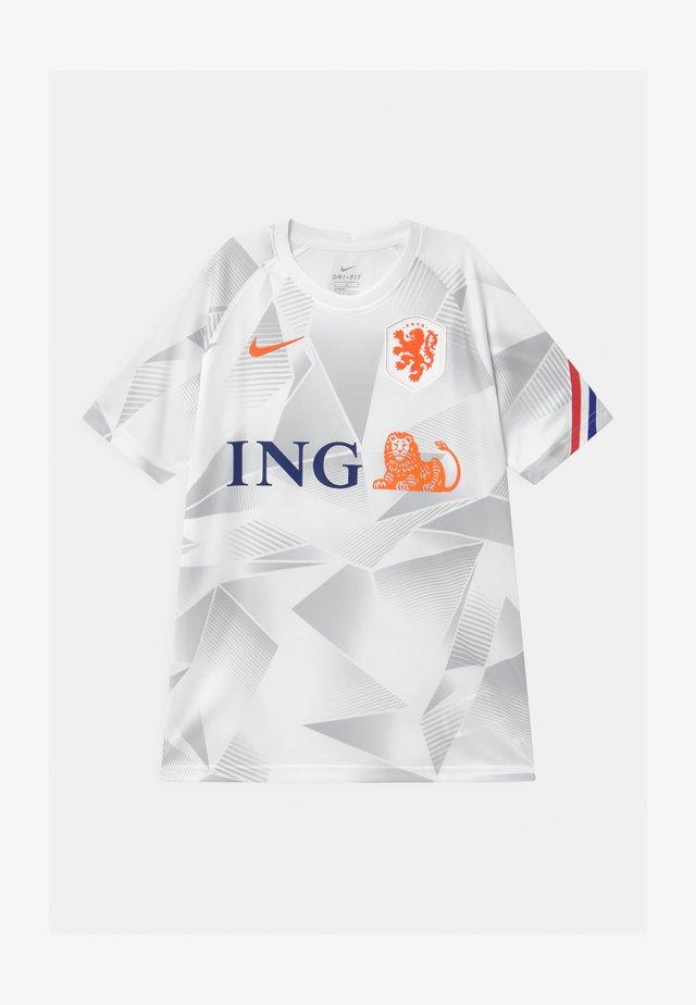 NIEDERLANDE UNISEX - Voetbalshirt - Land - white/safety orange