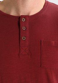 Tiffosi - BRIAN - Print T-shirt - red - 3