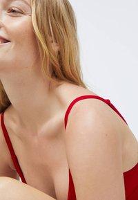 OYSHO - Bikini top - red - 4