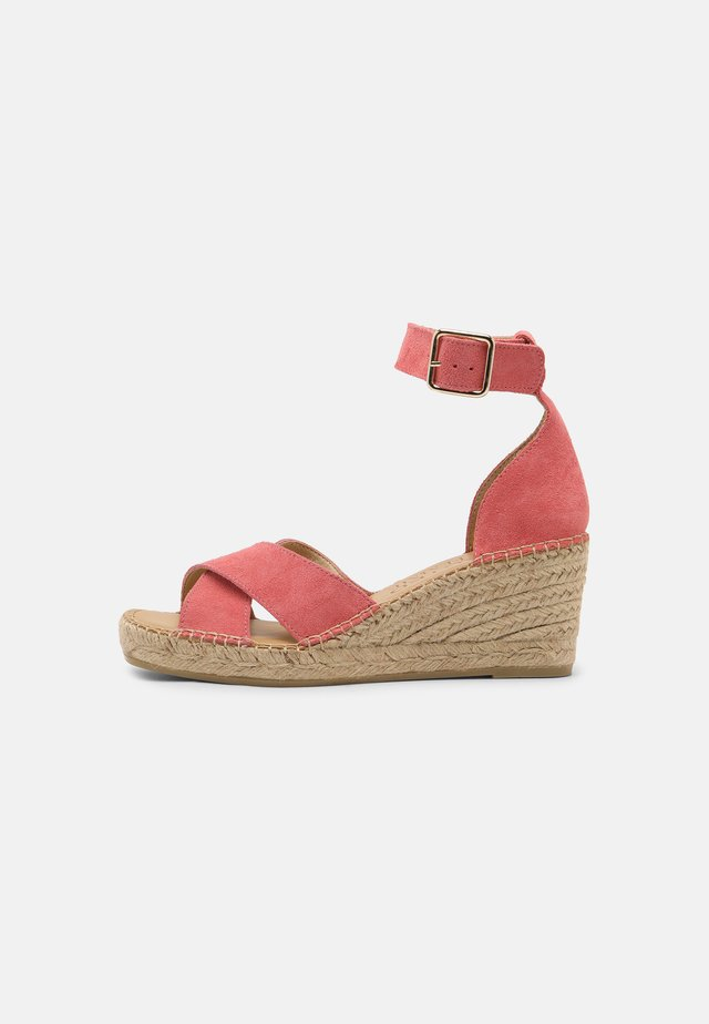 SLFESTHER WEDGE  - Sandalen met plateauzool - old rose