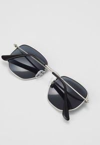 CHPO - IAN - Sluneční brýle - silver-coloured/black - 2