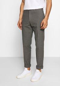 DRYKORN - MAD - Trousers - grau - 0