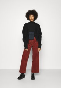 GAP - FULL LENGTH WIDE LEG - Trousers - copper beech - 1