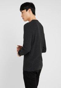 Pier One - Stickad tröja - mottled dark grey - 2