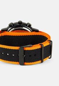 Pier One - Rannekello - black/orange - 1
