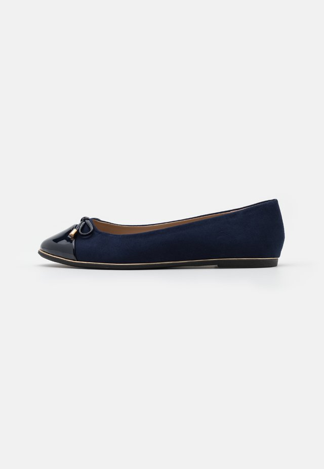 WIDE FIT PINE RAND TOE CAP - Bailarinas - navy