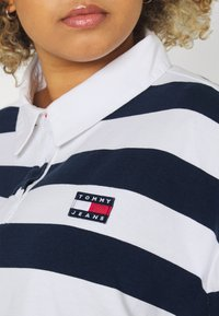 Tommy Jeans Curve - STRIPED RUGBY - Polo shirt - twilight navy - 5