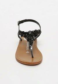 Les Bagatelles - GENIA   - T-bar sandals - black - 2