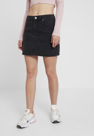 CARGO POCKET SKIRT - Áčková sukně - black