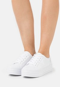 Guess - BRODEY - Sneakers basse - white - 0
