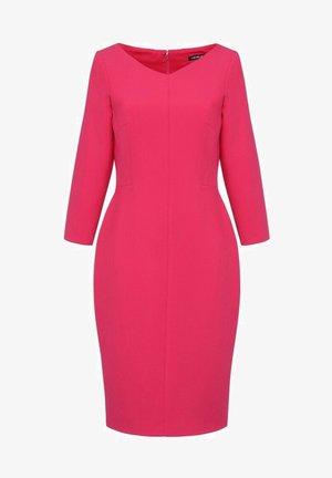 Sukienka etui - różowa